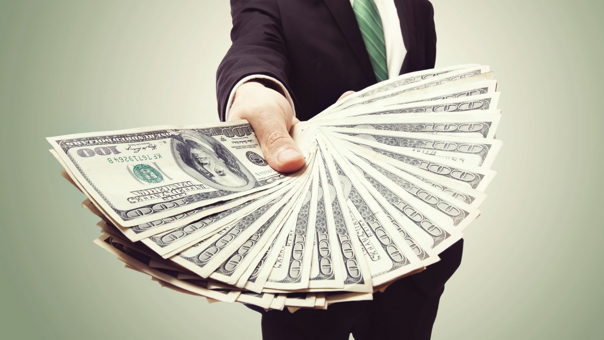 10 Easy Actions That Will Ensure You Earn More Money in 2017
