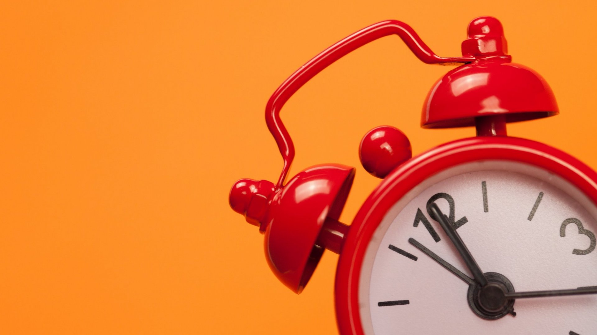 3 Wildly Ingenious Ways to Make Sure You Wake Up on Time, Every Time