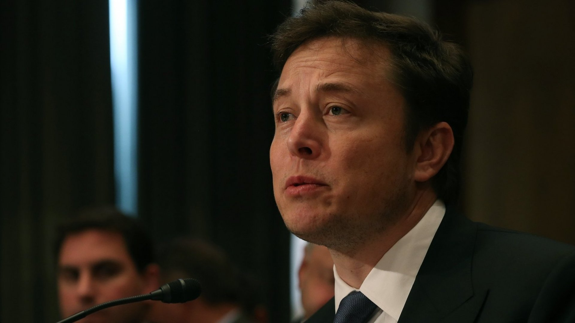 Here's What an Astronaut Thinks of Elon Musk's Plan to Send Tourists Around the Moon