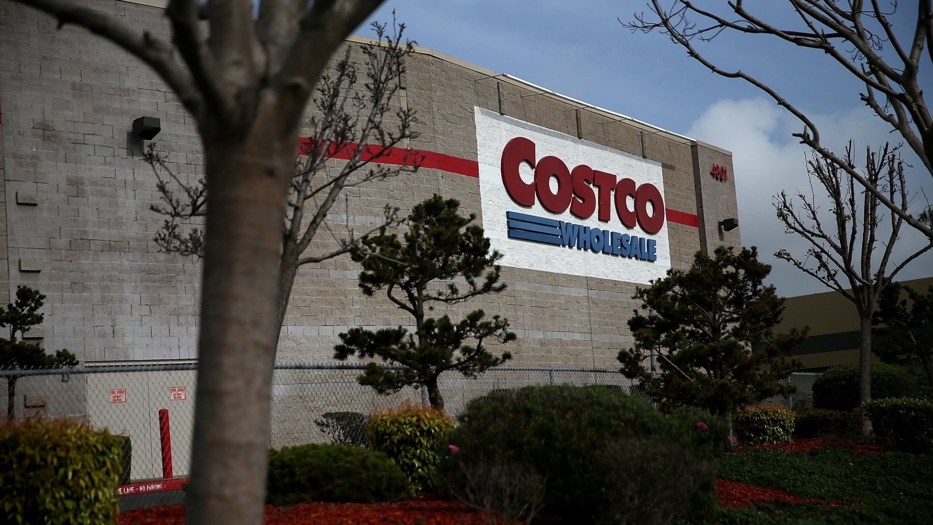 If You Buy Supplies at Costco, It Might Be Time to Change Credit Cards