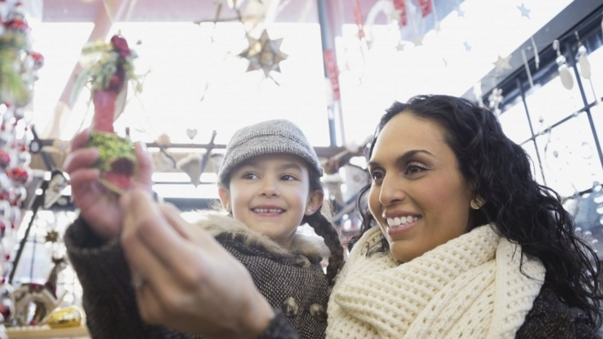 12 Stats About Holiday Sales During Cyber Week 2015