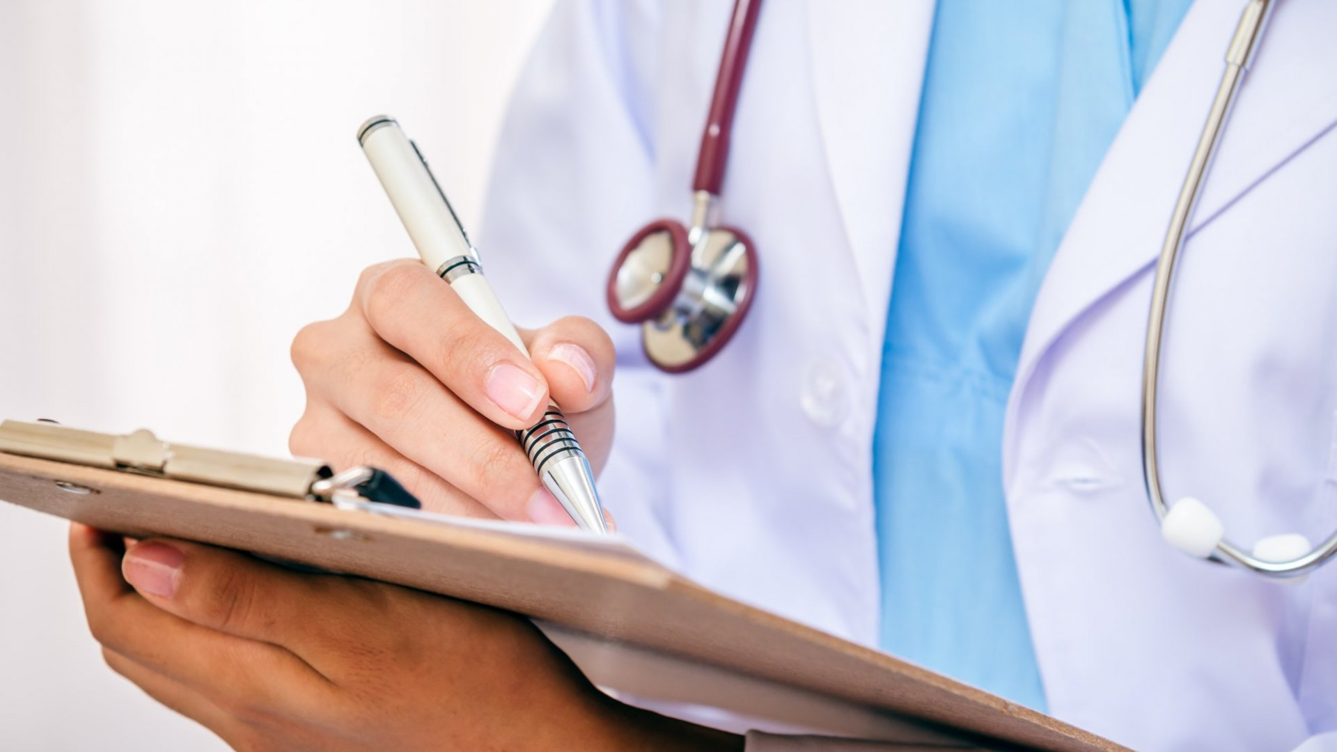 Here's How Health Care Could Become Less Costly in 2016