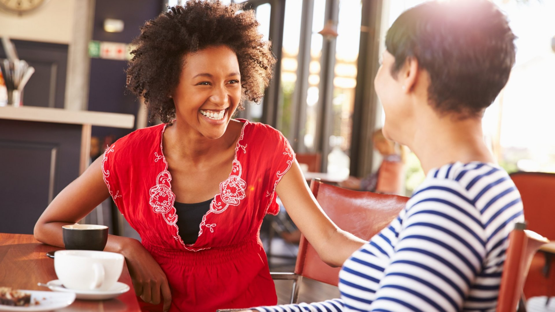 8 Ways to Become the Person Everyone Wants to Network With