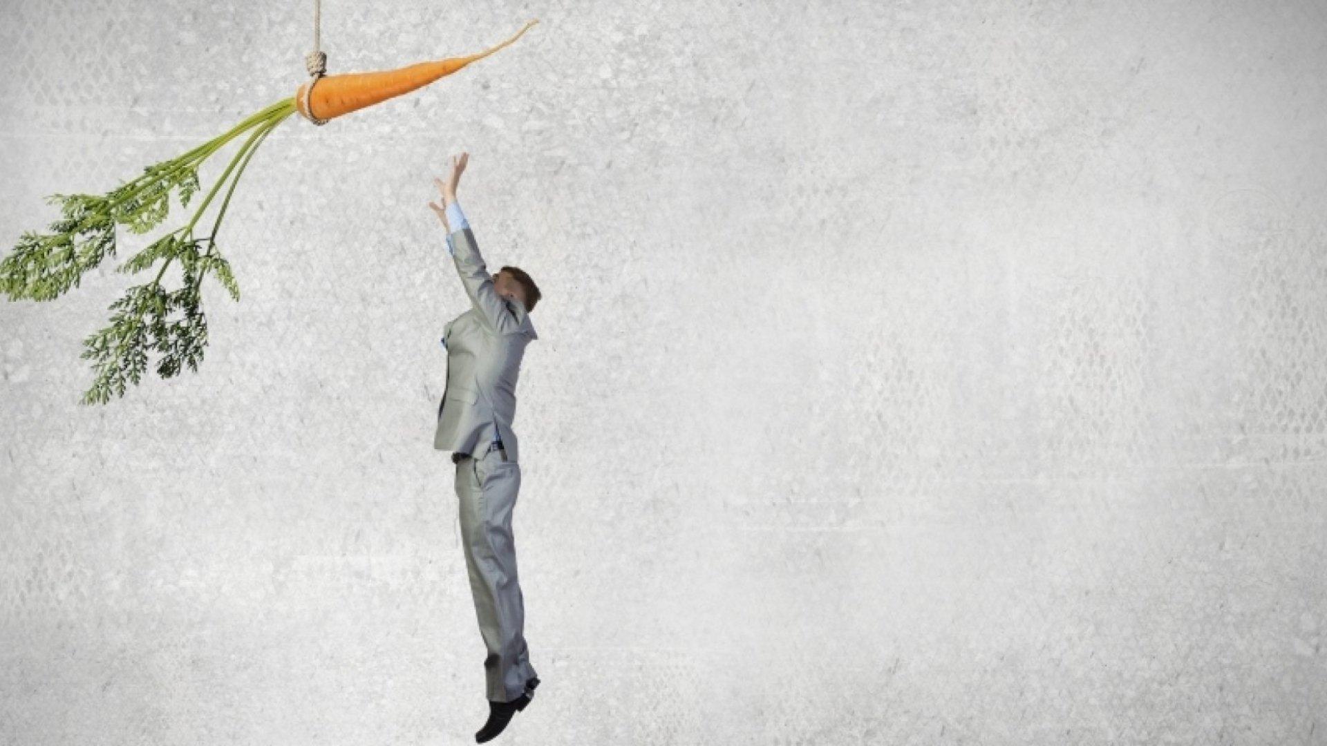 7 Ways to Keep Employees Motivated Besides Money