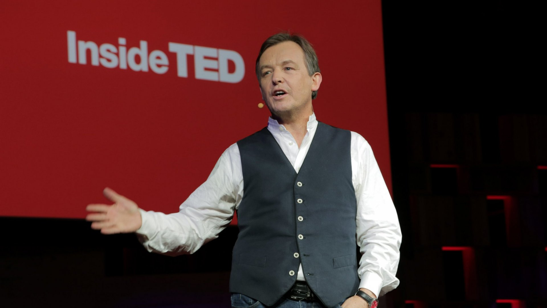 4 Powerful Public Speaking Tips From TED Curator Chris Anderson