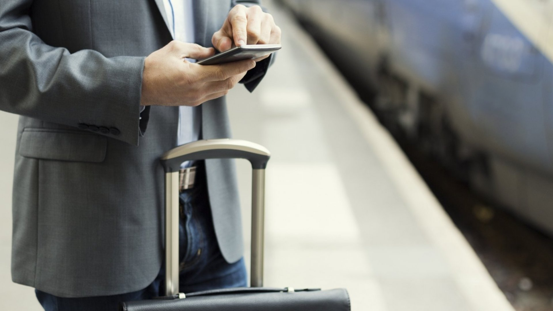 7 Communication Tips for Business Travelers in Countries Where You Don't Speak the Language