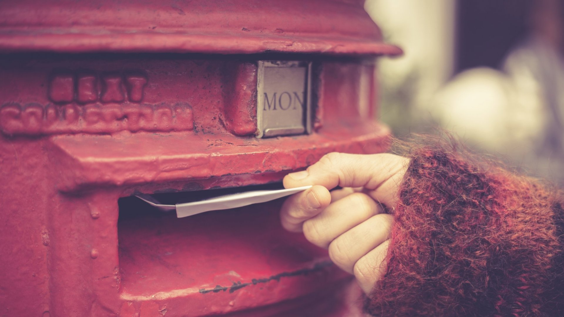 Sending old-fashioned mail is trendy again