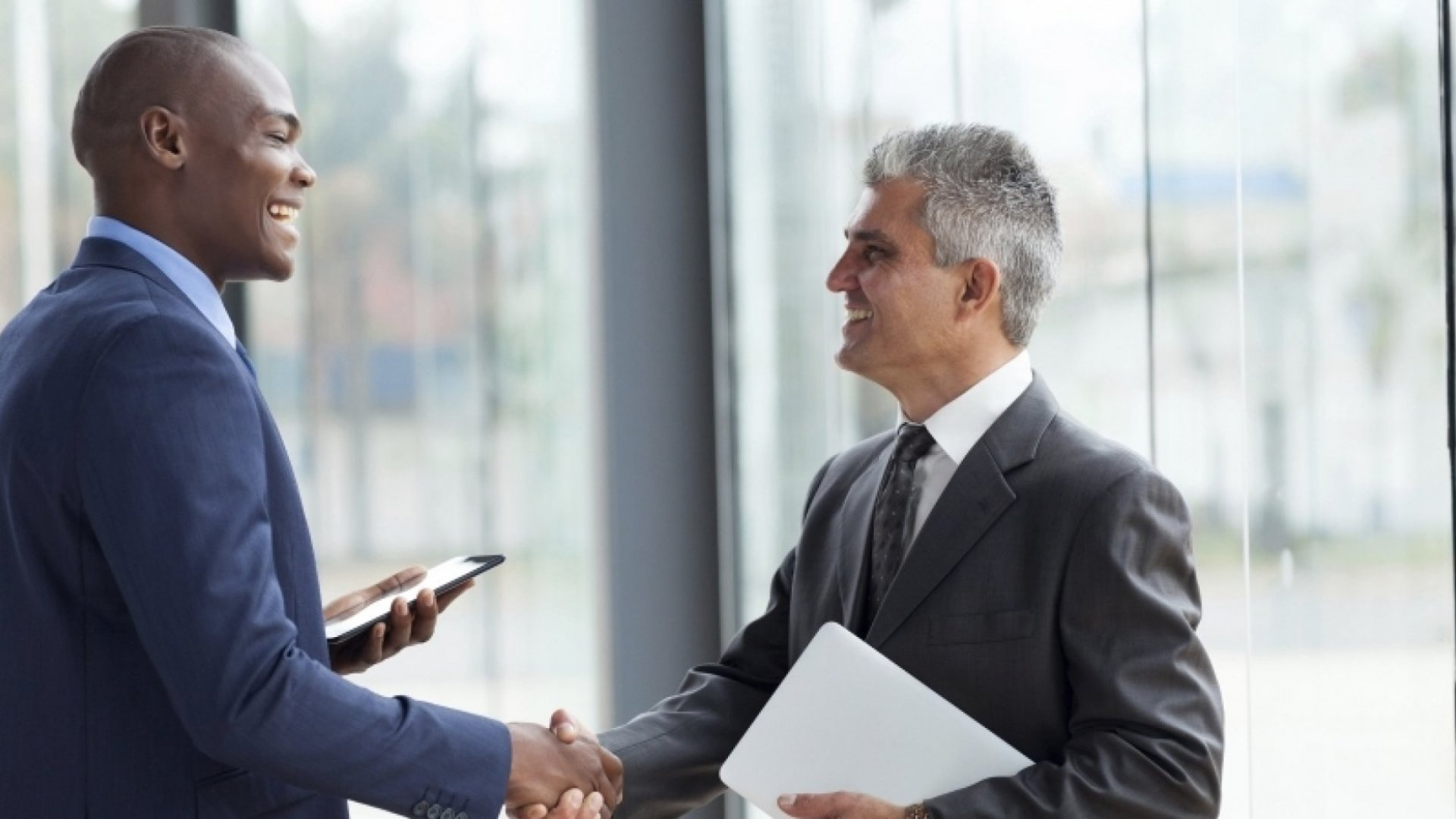 6 Ways Successful People Make a Good First Impression