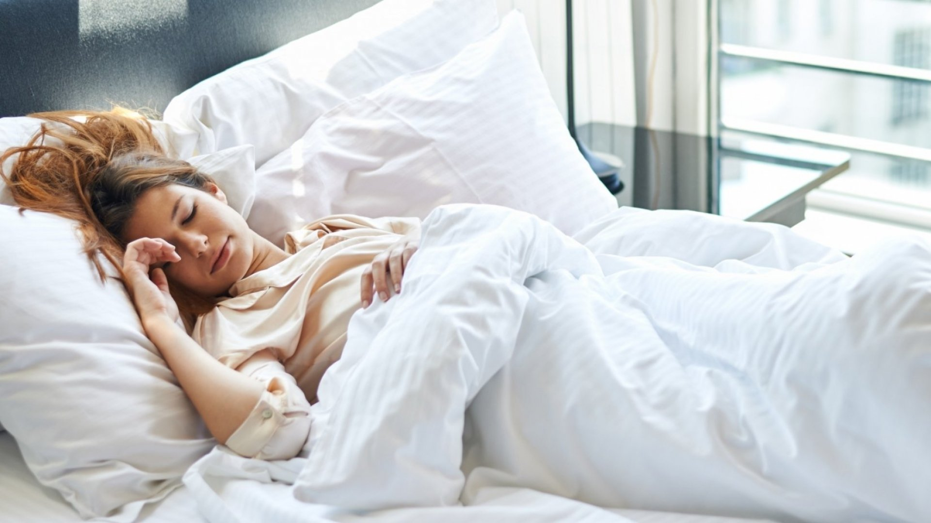 4 Numbers That Tell You if You're Getting a Good Night's Sleep, According to Science