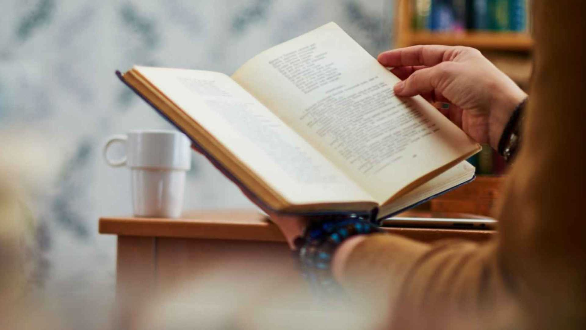 27 Must-Read Books for Getting Ahead in Business and Life