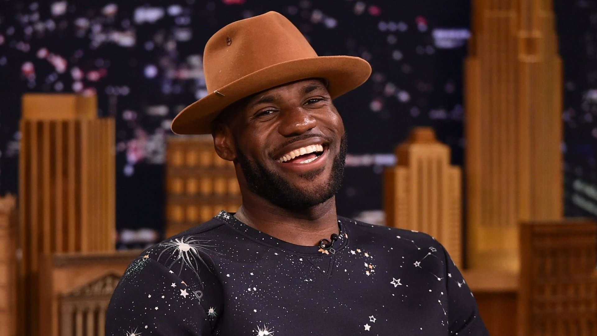The Winning Personal Finance Habits of LeBron James, Basketball Great and Actual Friend of Warren Buffett