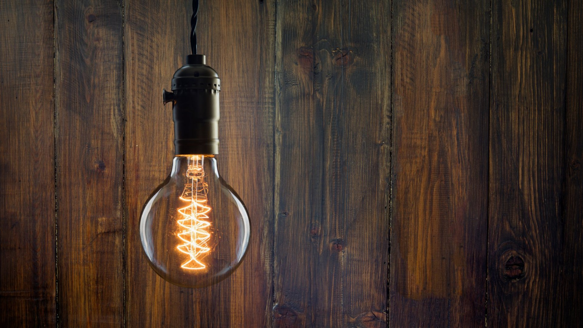 Why the best leaders are like old-fashioned light bulbs