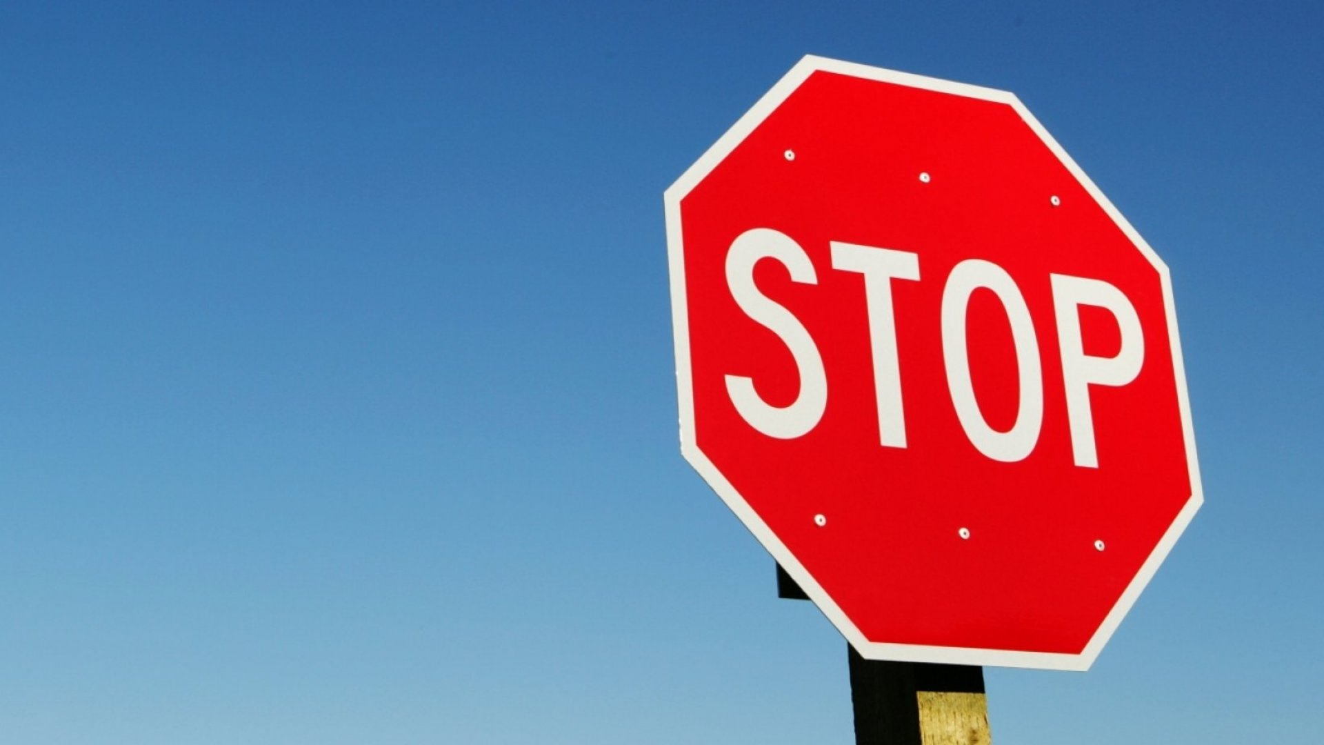 16 Things Entrepreneurs Should Stop Doing (to Avoid Looking Like Amateurs)