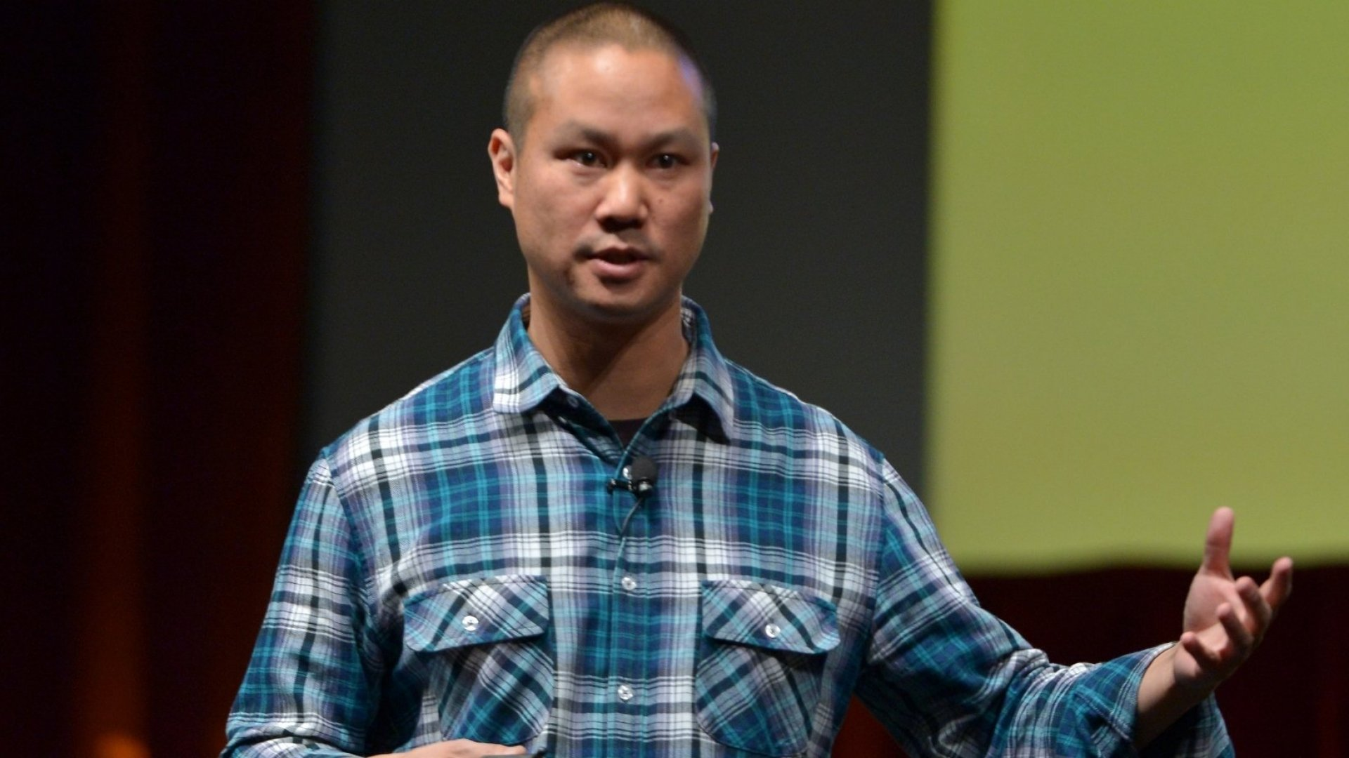 The 4 Books Zappos CEO Tony Hsieh Thinks Everyone Should Read