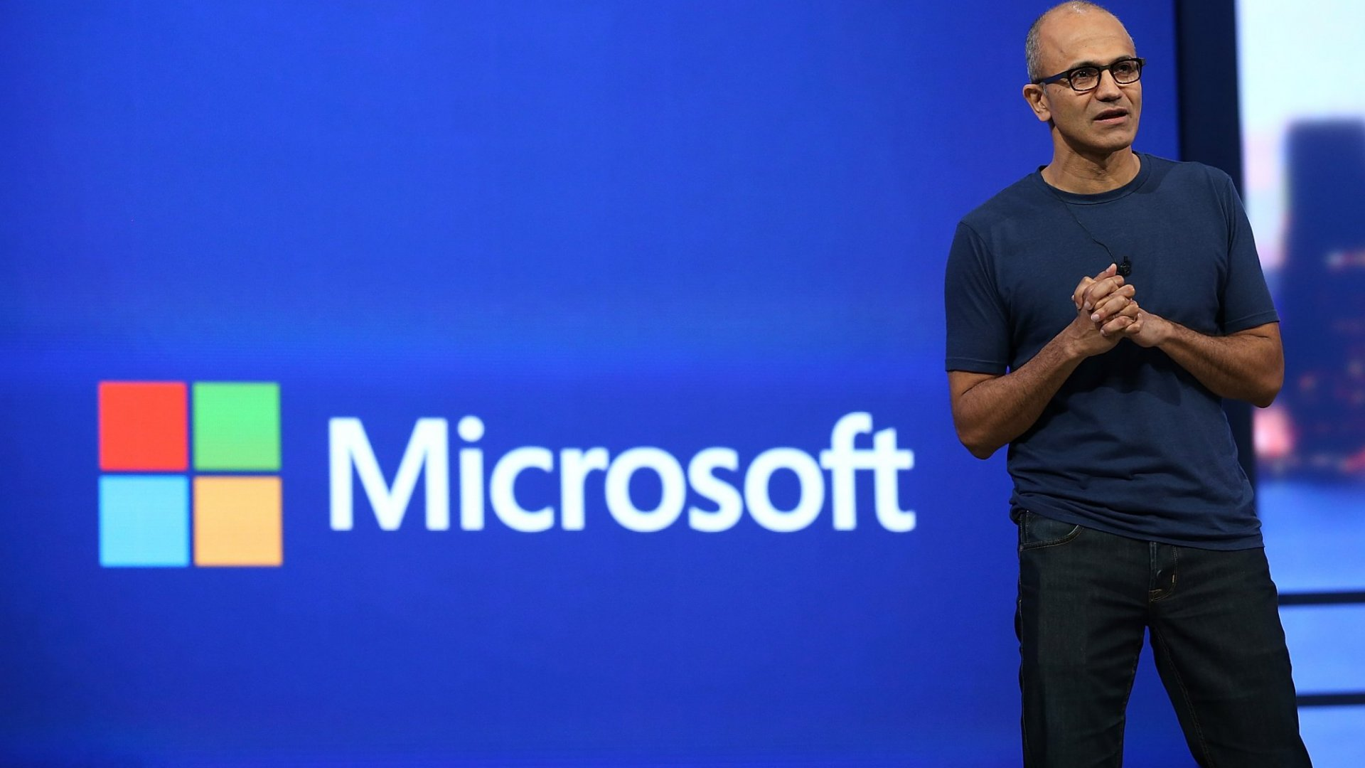 Microsoft's New Businesses Shine, but PC Software Still Sags