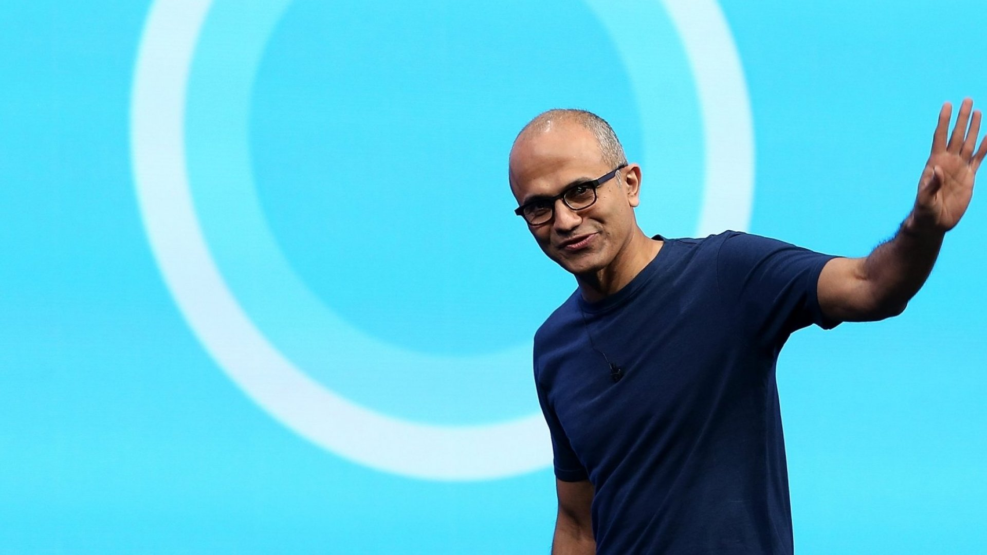 Microsoft's CEO Knows How to Run a Meeting. Here's How He Does It