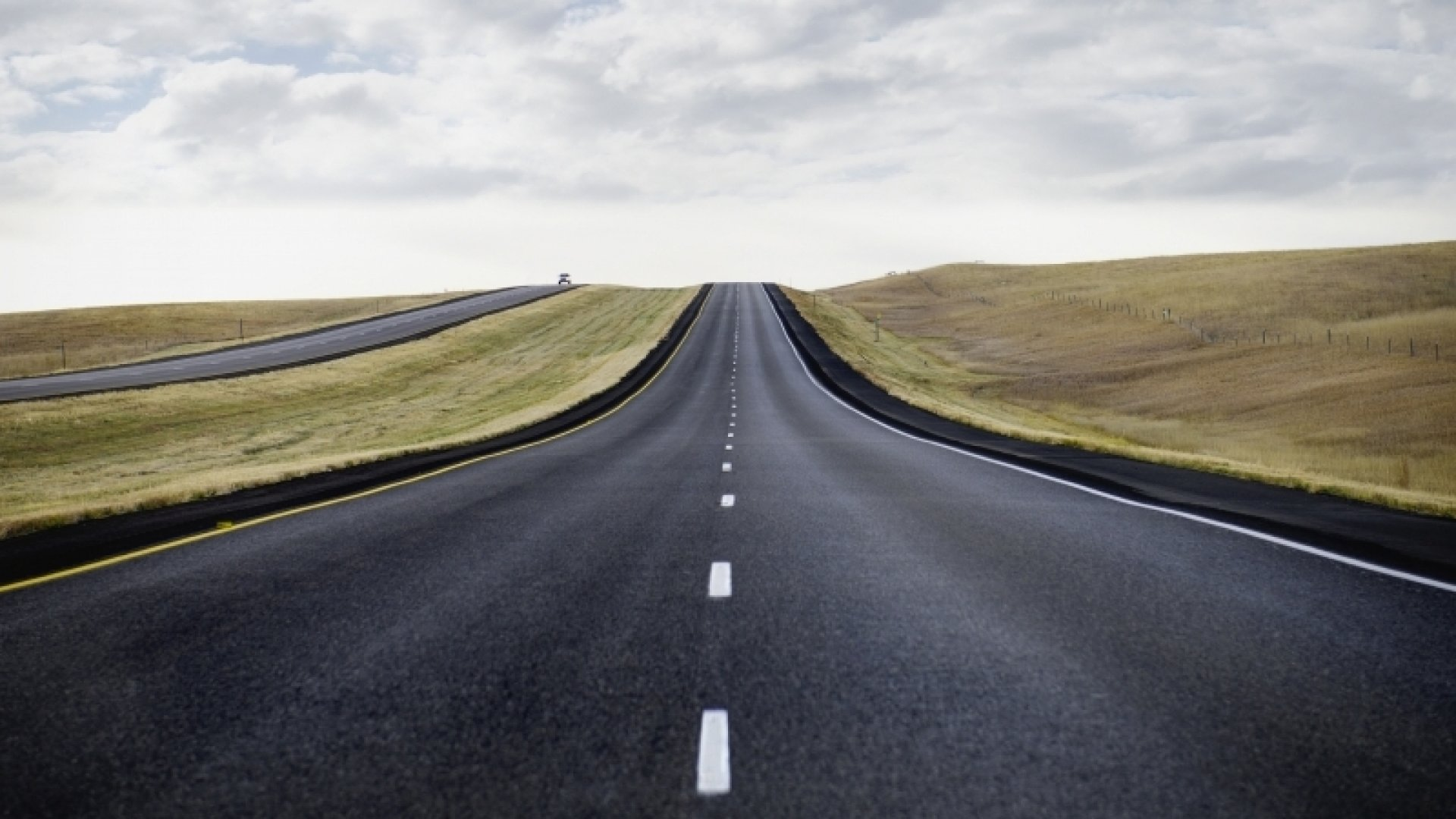 11 Indispensable Tools for Working on the Road
