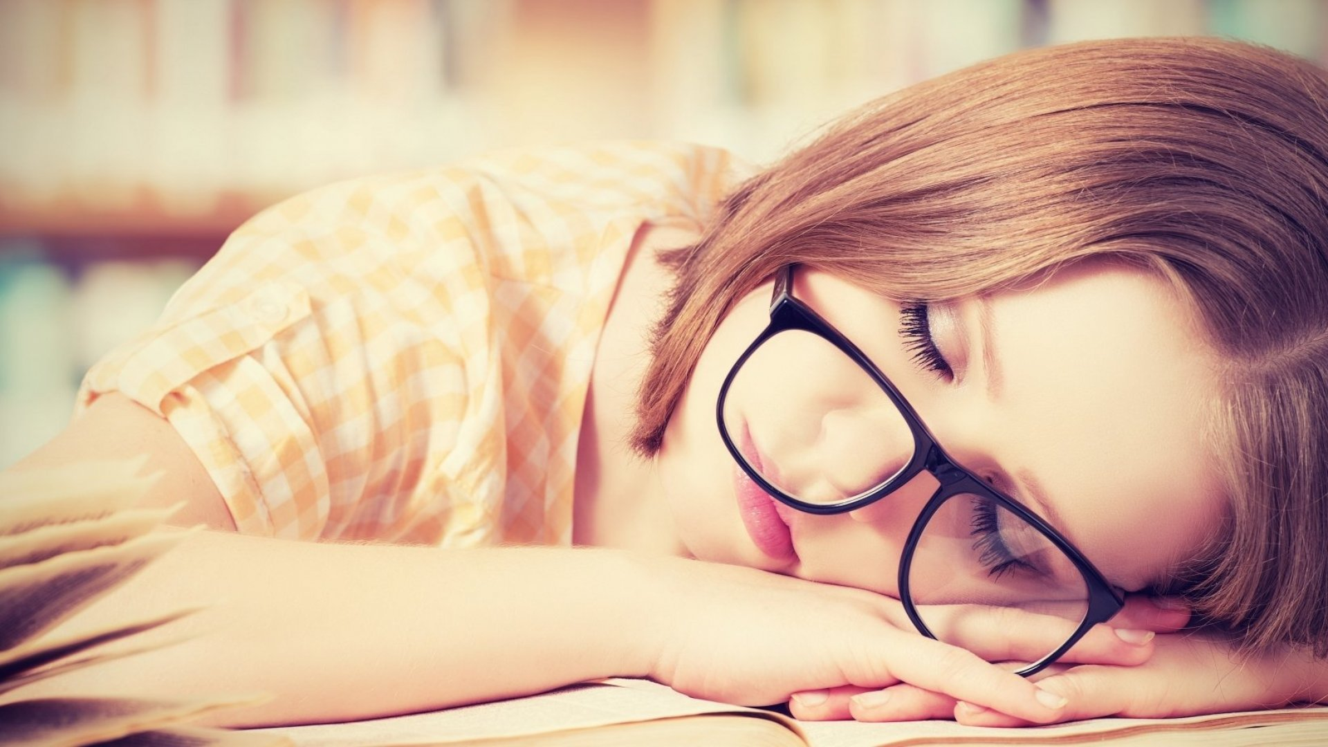 Think You Can Stay Sharp Despite Less Sleep? You're Wrong, According to Science