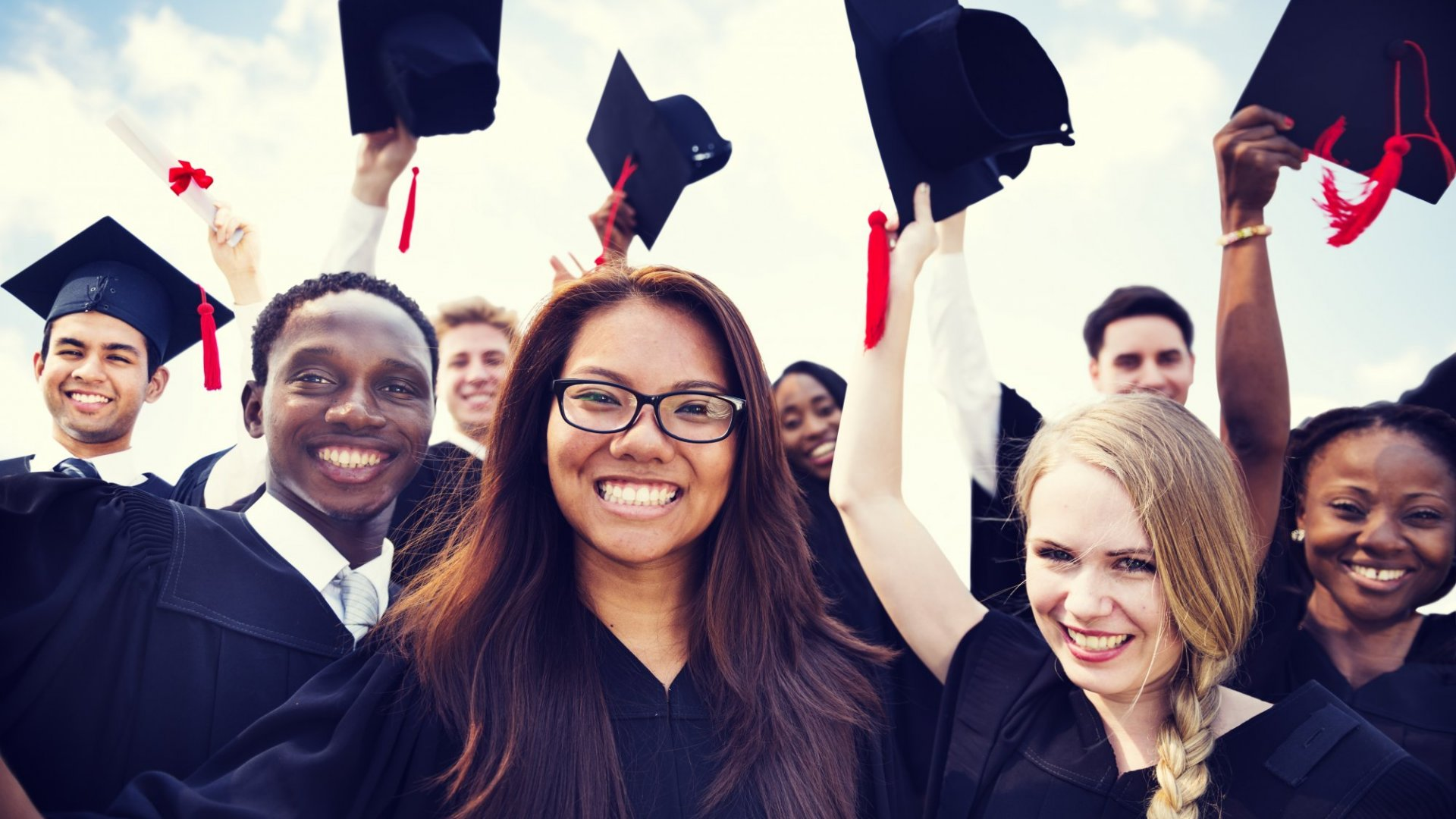 Want Your Graduate Kid to Get Hired? Science Says Nag Them to Do This Thing