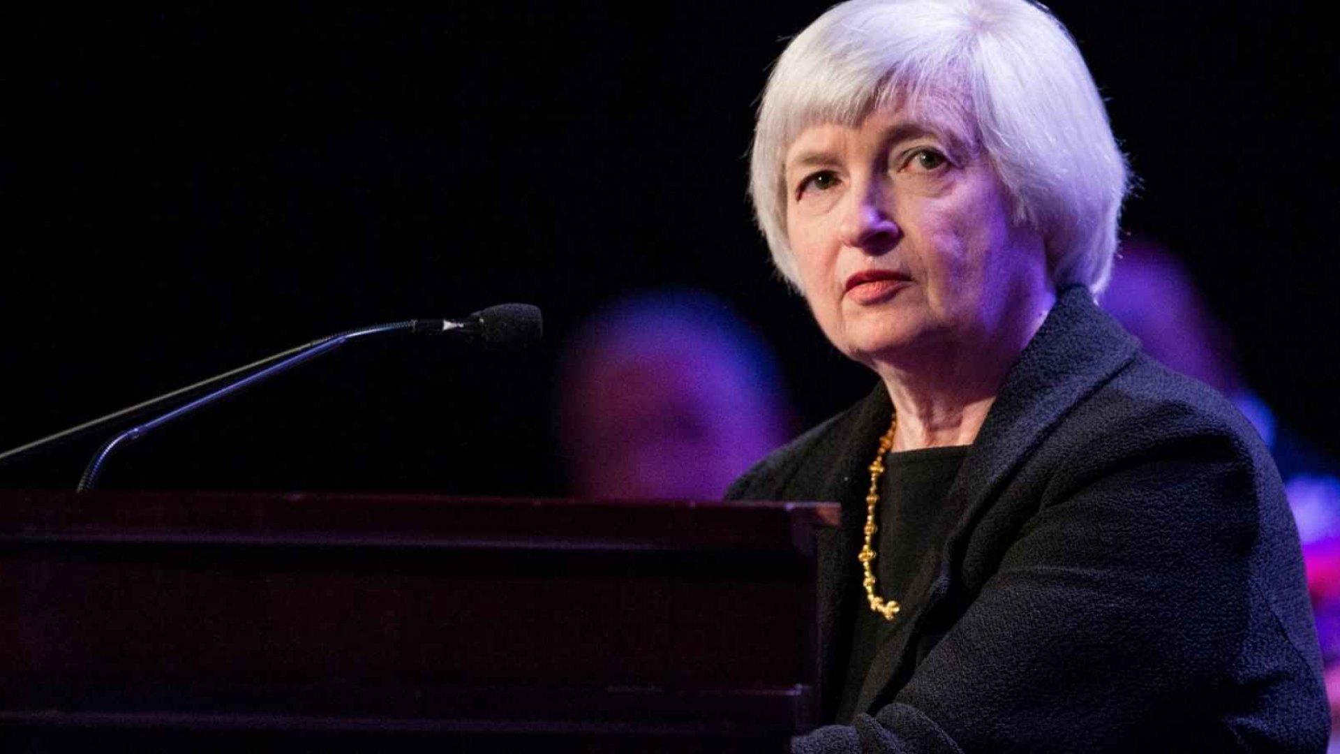 Yellen Signals Growing Likelihood of a December Rate Hike