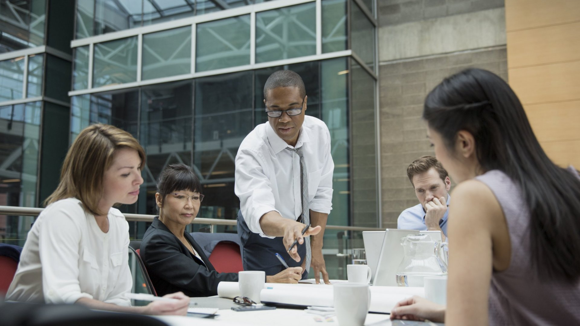 5 Ways the Best Leaders Attract and Keep Top Talent