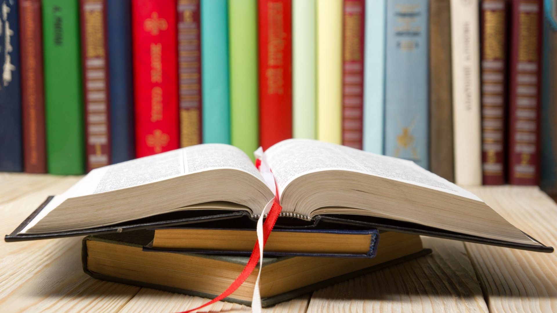 6 Business Books Every Leader Needs to Read
