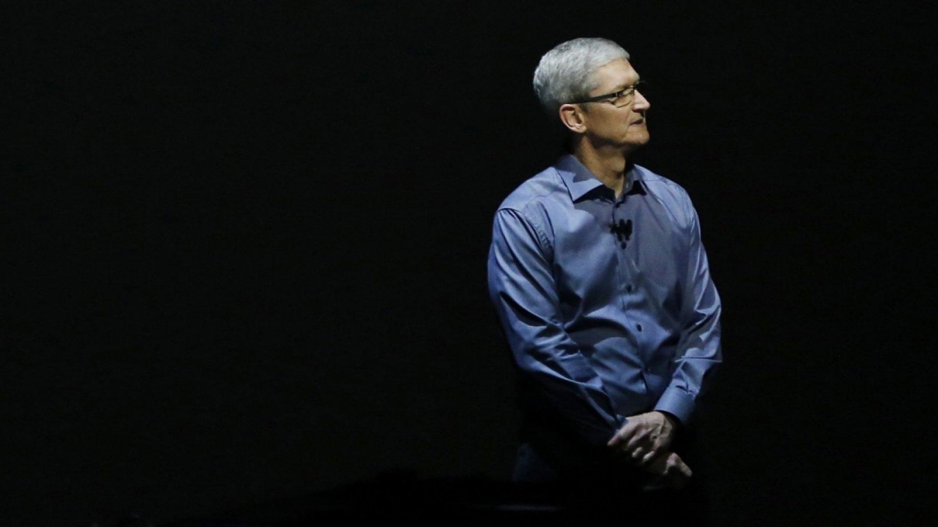 Apple Announces $1 Billion Fund to Boost U.S. Manufacturing Jobs
