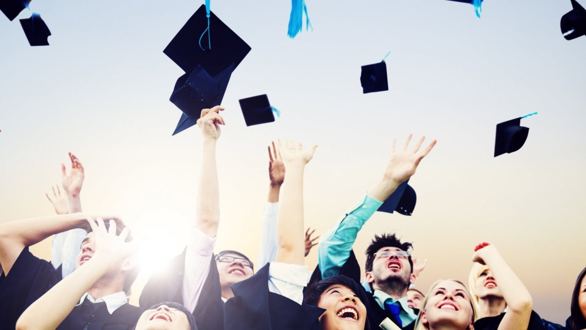 New College Grads Overestimate Their Salaries by 23 Percent Study Shows