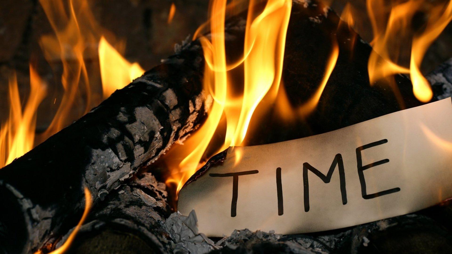 Why Procrastinators Keep Putting Everything Off, According to Psychology