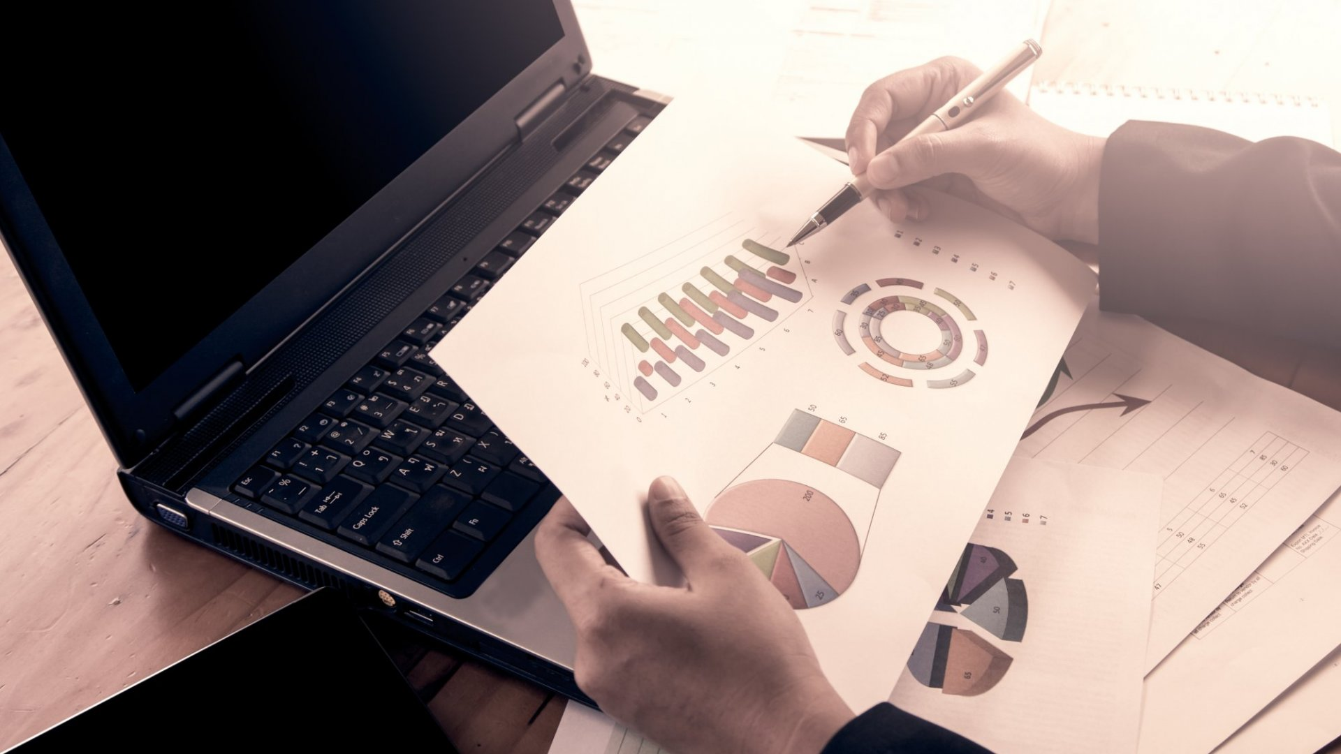 The Best Way to Track Your Business Expenses in 6 Easy Steps