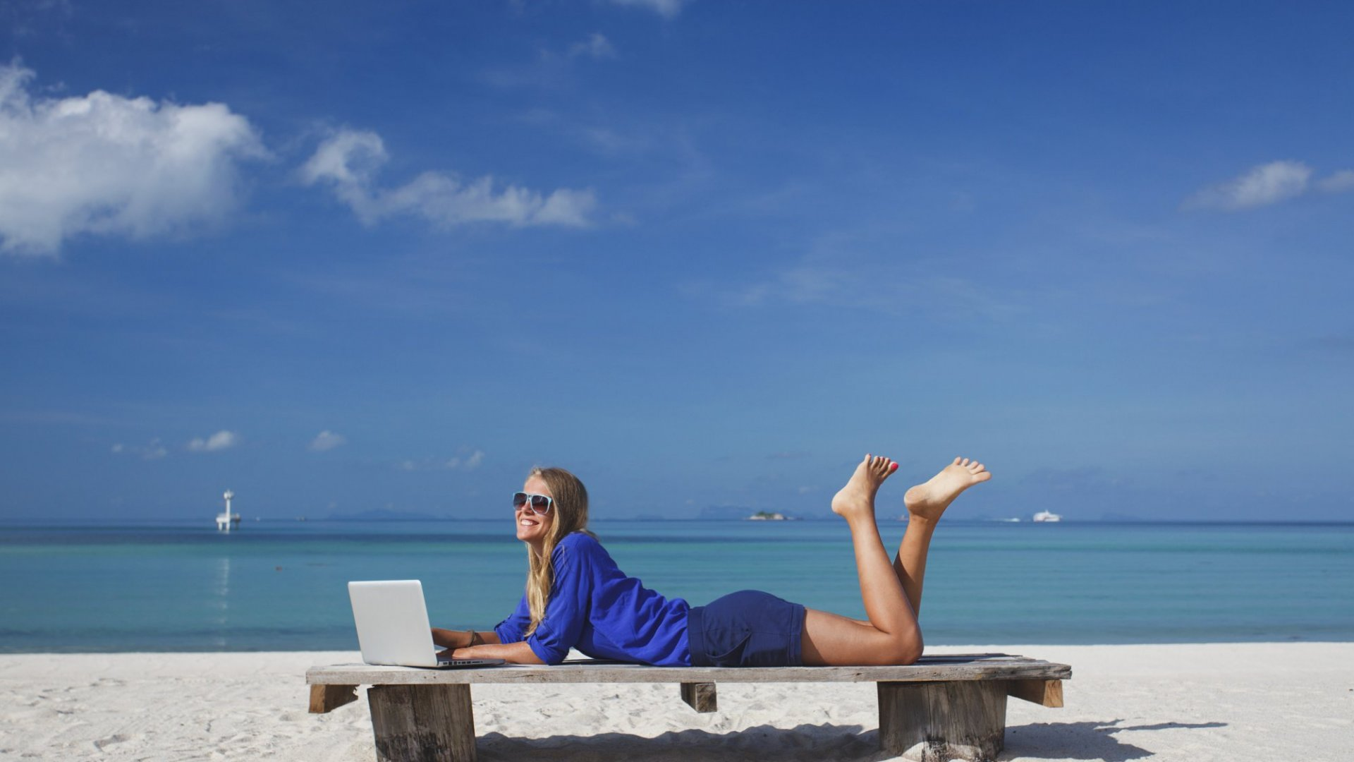 7 Ways to Be Productive From Anywhere in the World