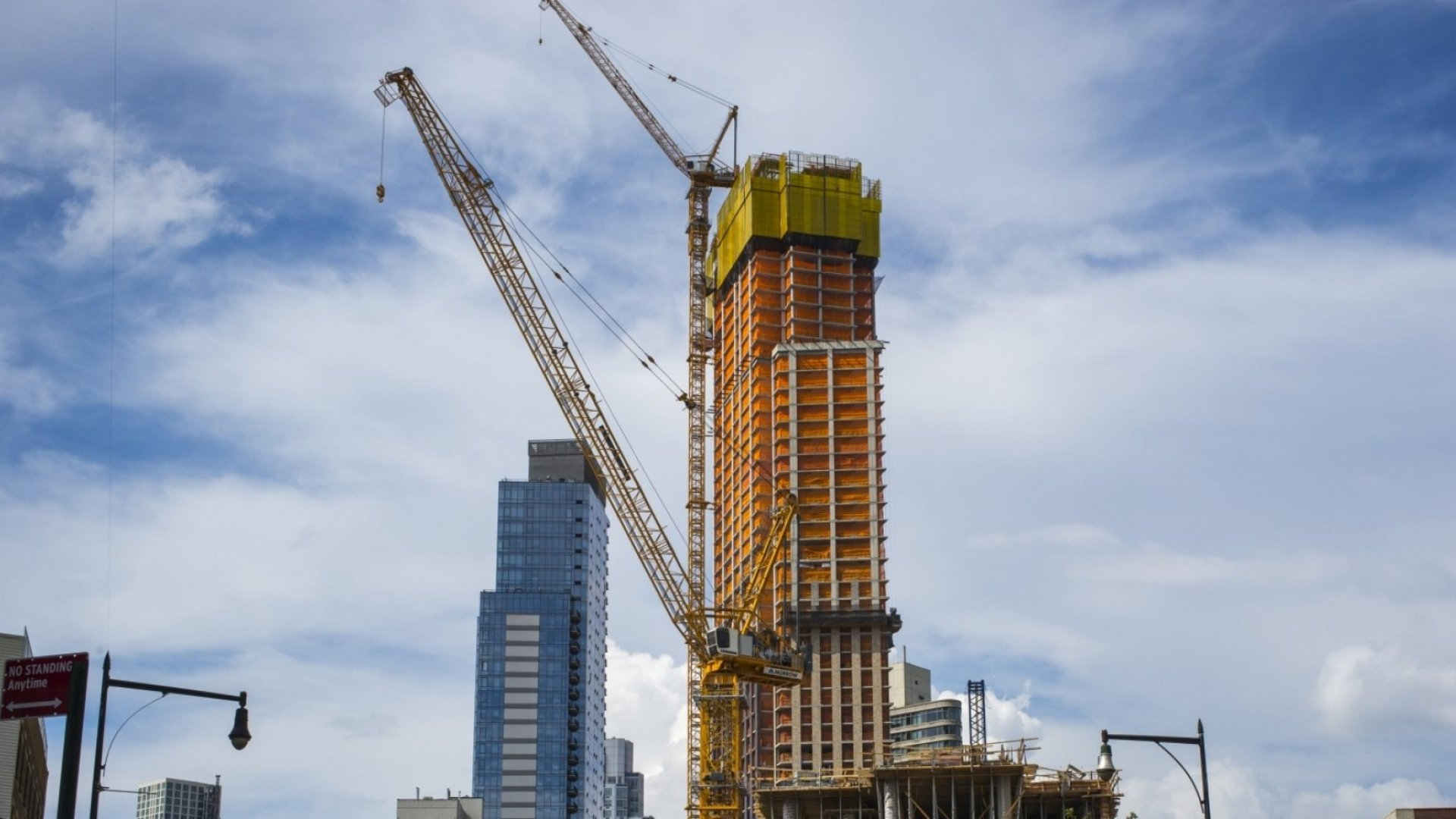 U.S. Economic Growth Rate Beats Estimates