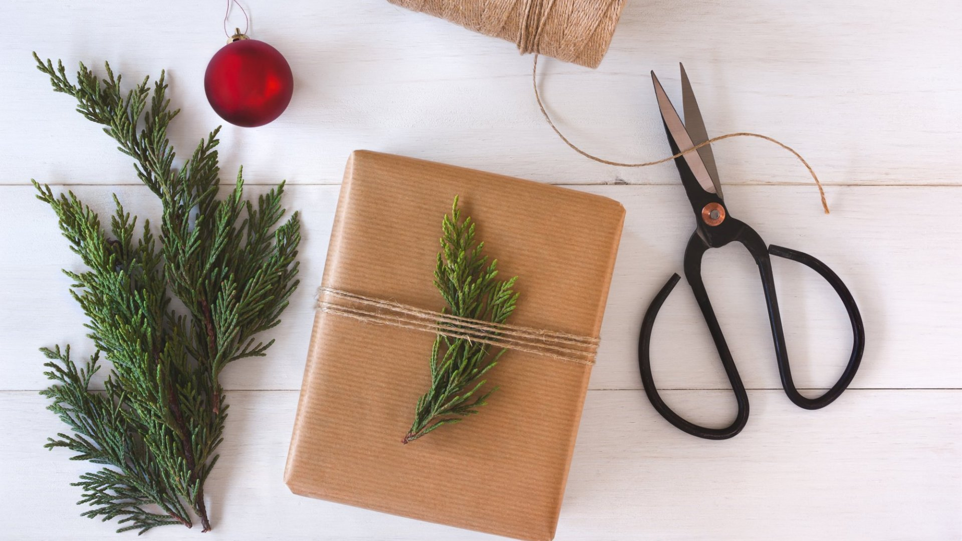 25 Perfectly Designed Green Products (Just in Time for the Holidays)