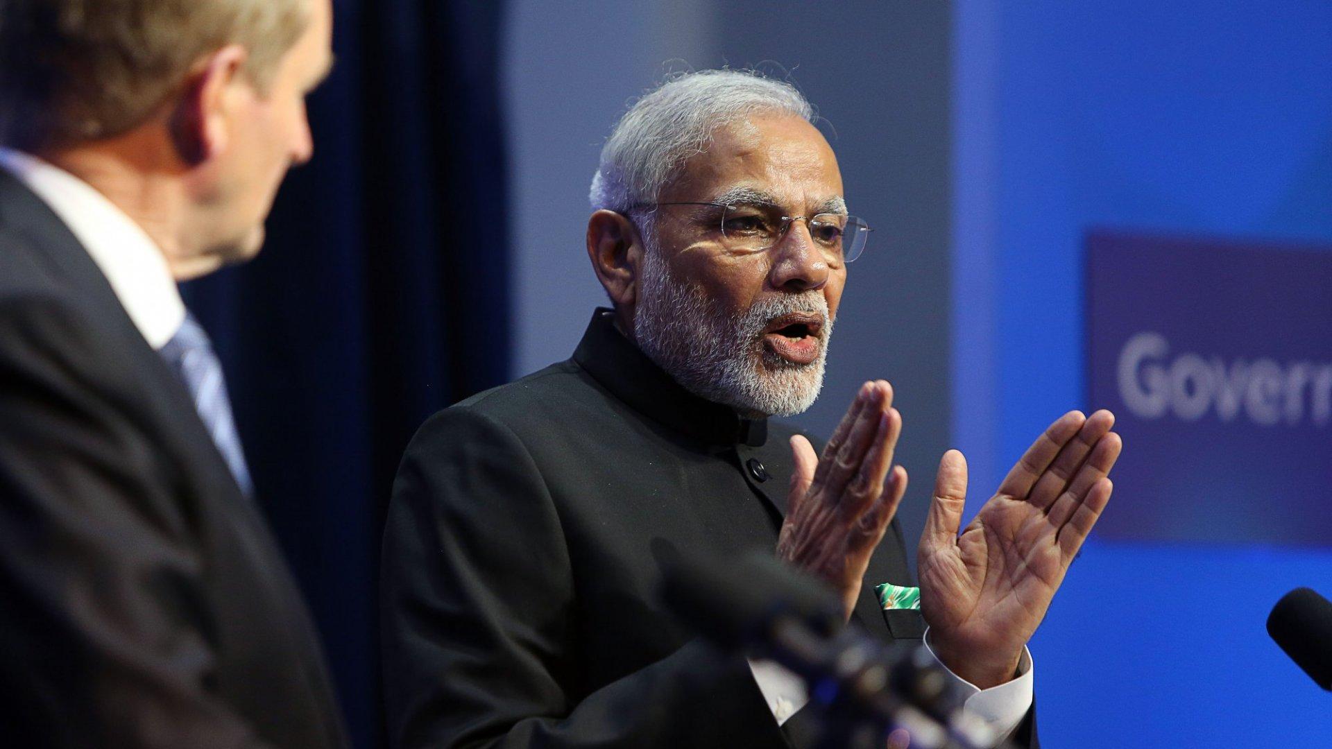 Zuckerberg, Modi Talk Internet Connectivity in India at Facebook Townhall