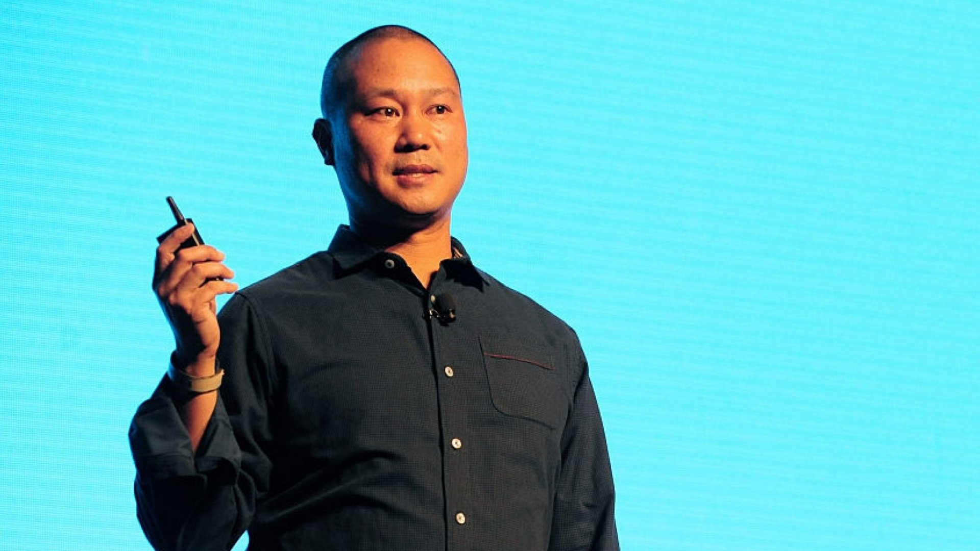 Tony Hsieh Had a 2-Word Employment Policy at Zappos, and It Was Absolute Genius