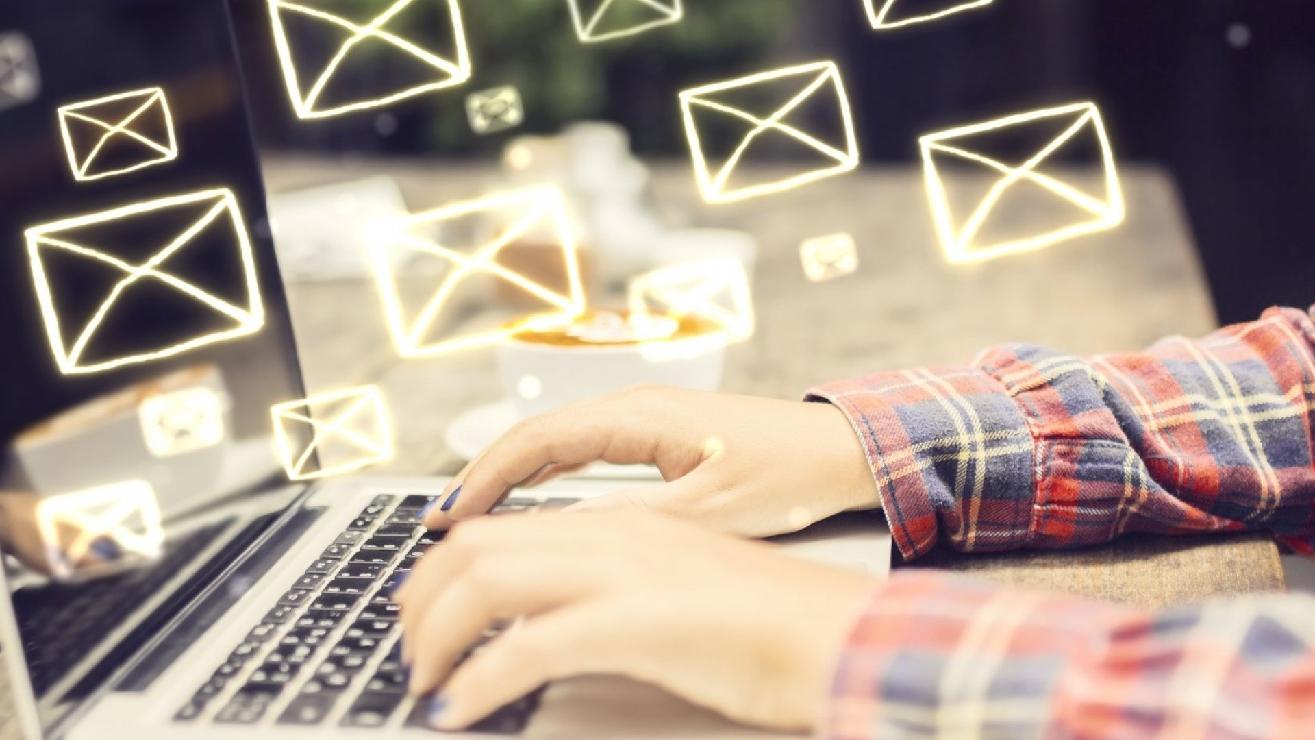 6 Annoying Email Habits That Ruin Productivity and Destroy Trust