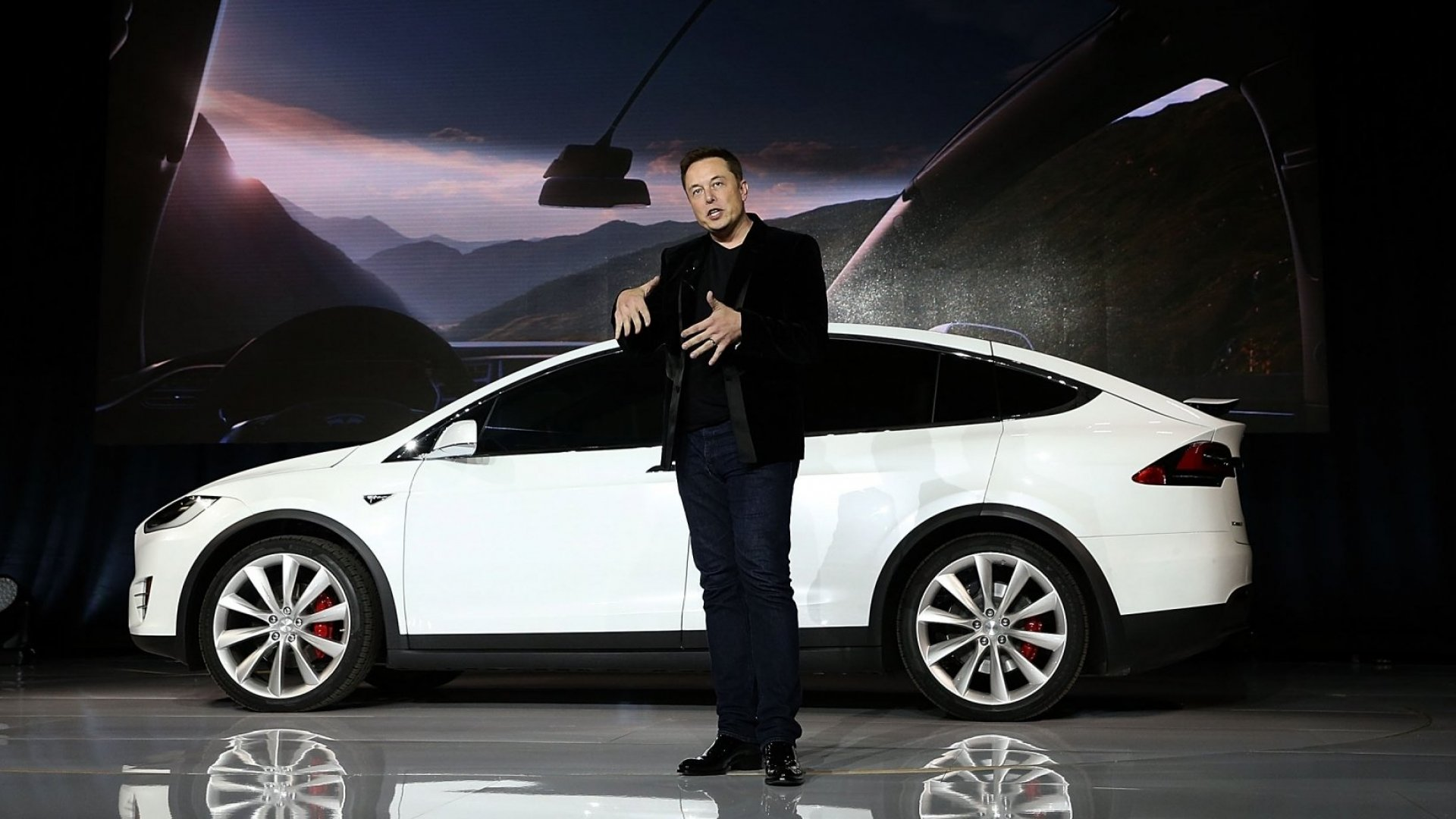 Tesla Is Under Criminal Investigation for ElonMusk's Tweets About Taking the Company Private