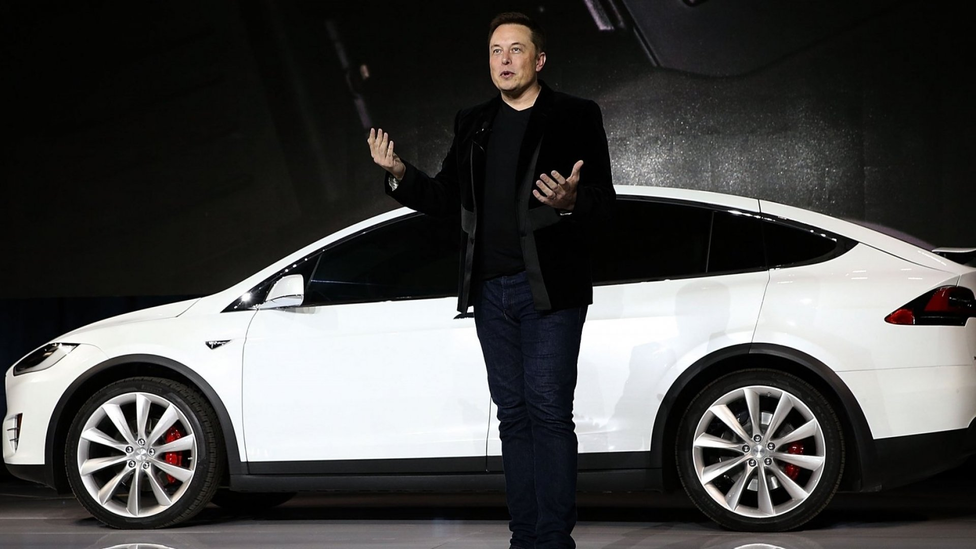 Tesla Hints at Plan to Create Rival to Uber and Lyft