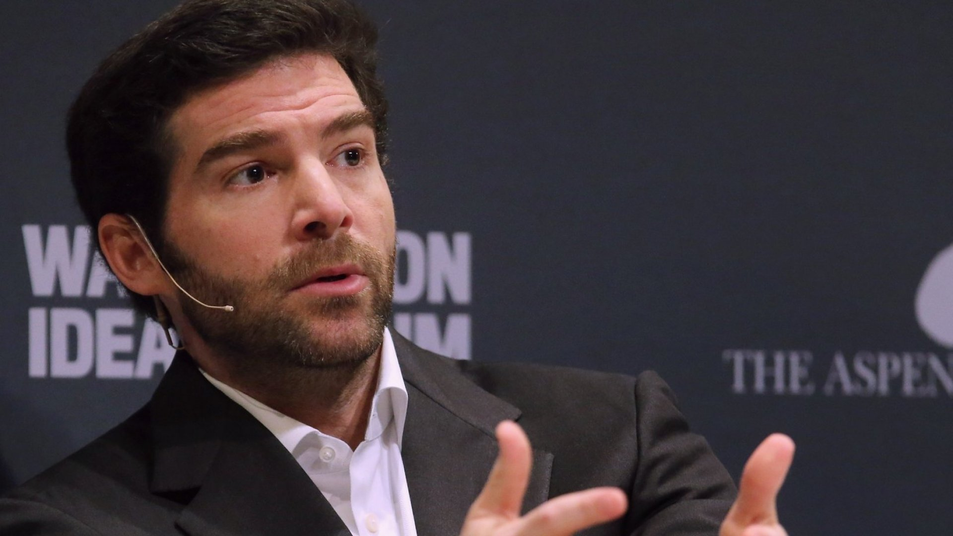 LinkedIn's CEO Just Identified the Single Biggest Email Mistake You Can Make (and We're All Guilty)