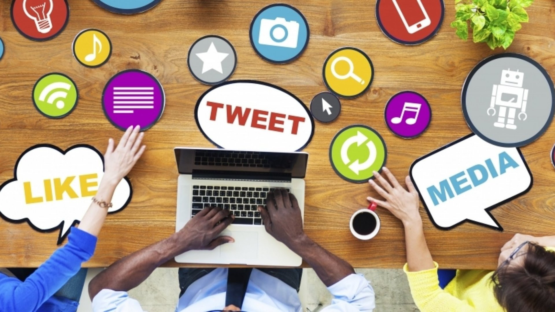 25 Weird Facts About Social Media Business Owners Need to Know