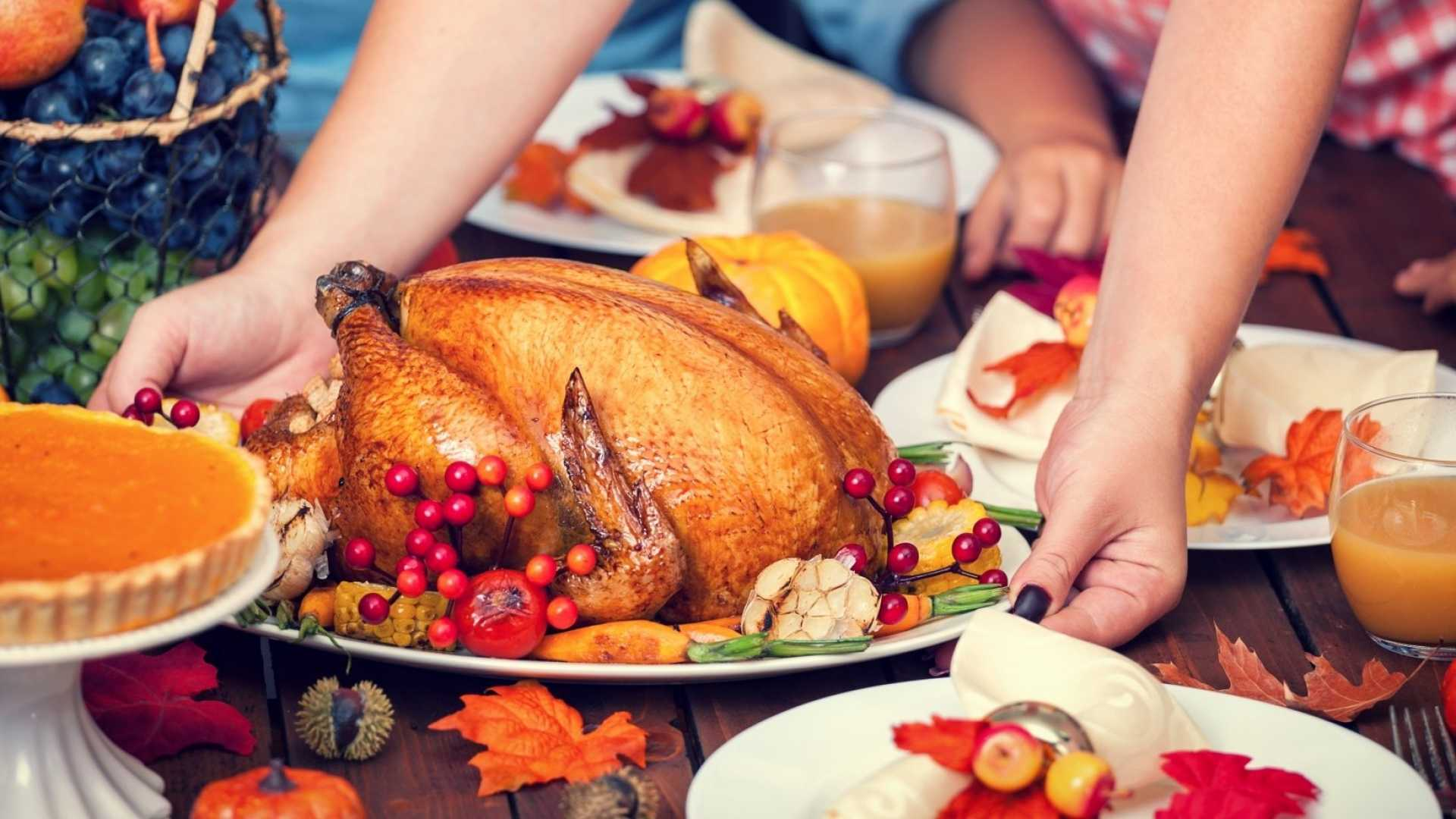 7 Ways to Handle Politics With Your Family This Thanksgiving (Without Getting Upset)