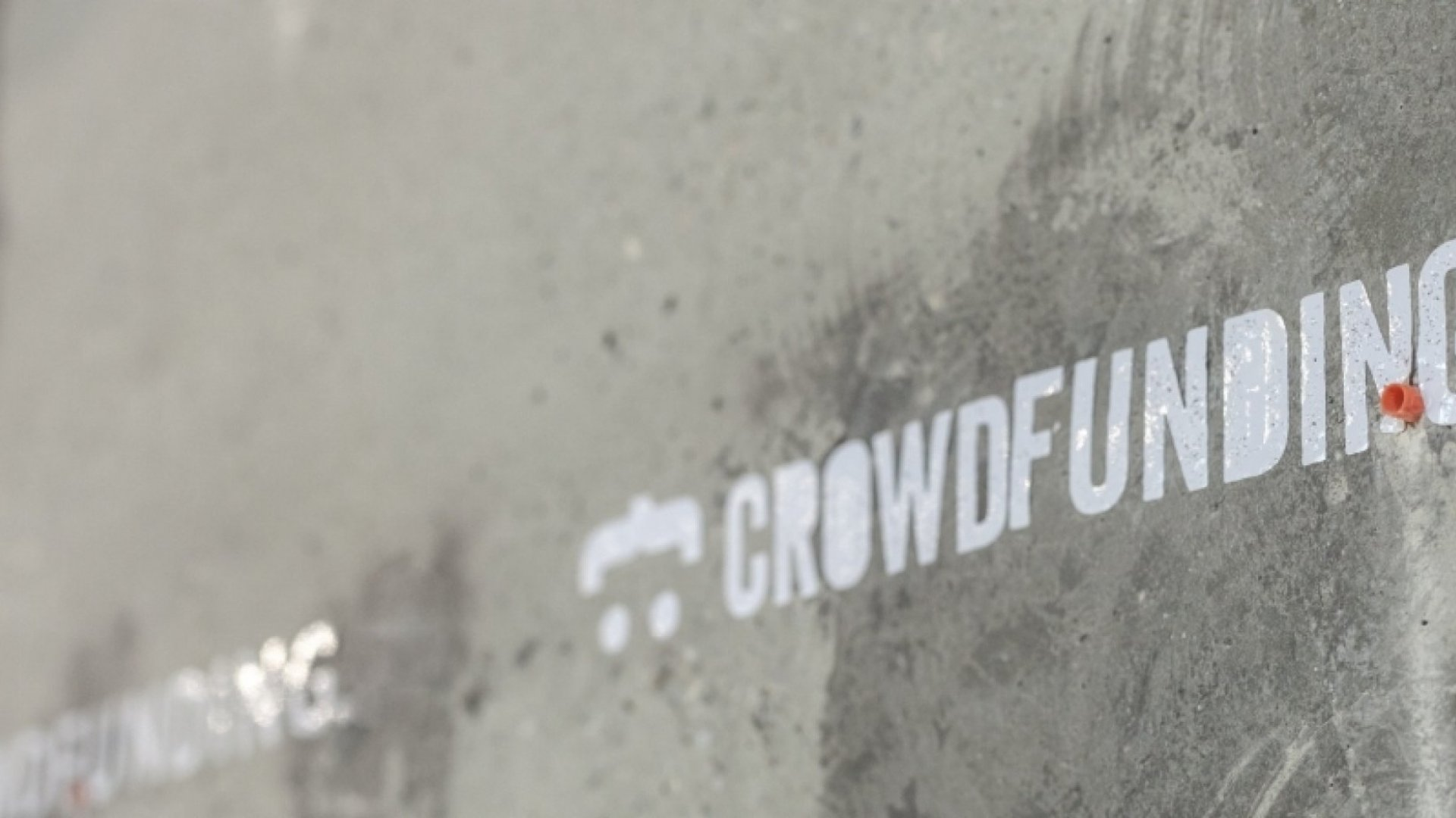 Loan vs. Crowdfund: Which Is the Best Option for Funding?