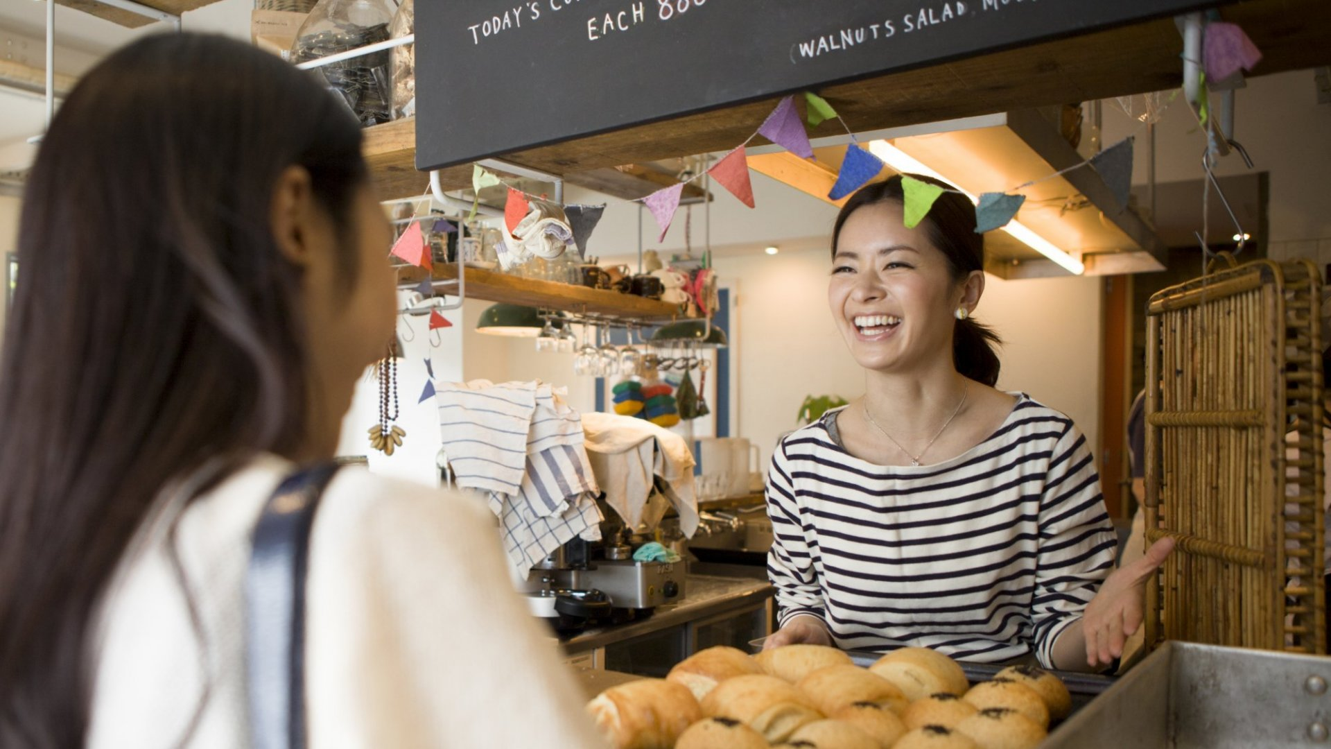 3 Ways to Attract Repeat Customers Without Offering Costly Perks