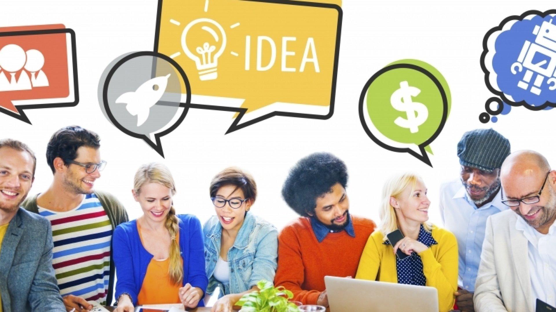 Four Ways Female Entrepreneurs Drive Business Growth Through Social Media Marketing