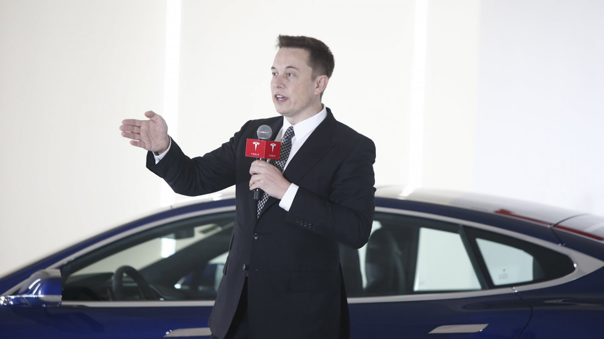With Tesla's Surprise Profits, Elon Musk Just Got the Momentum He Needed for His Master Plan