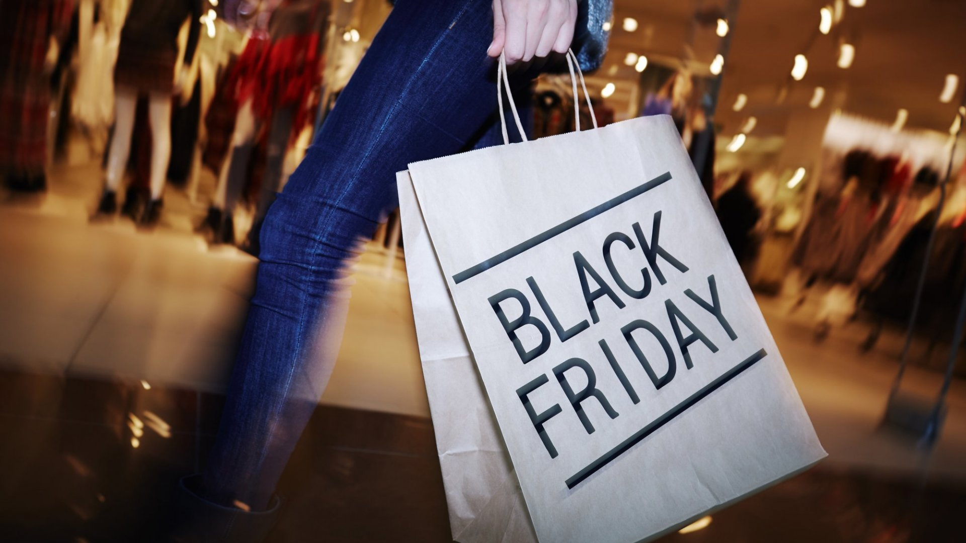 Why This Black Friday Shopping Technique Can Score You a (Huge) Deal in Your Career