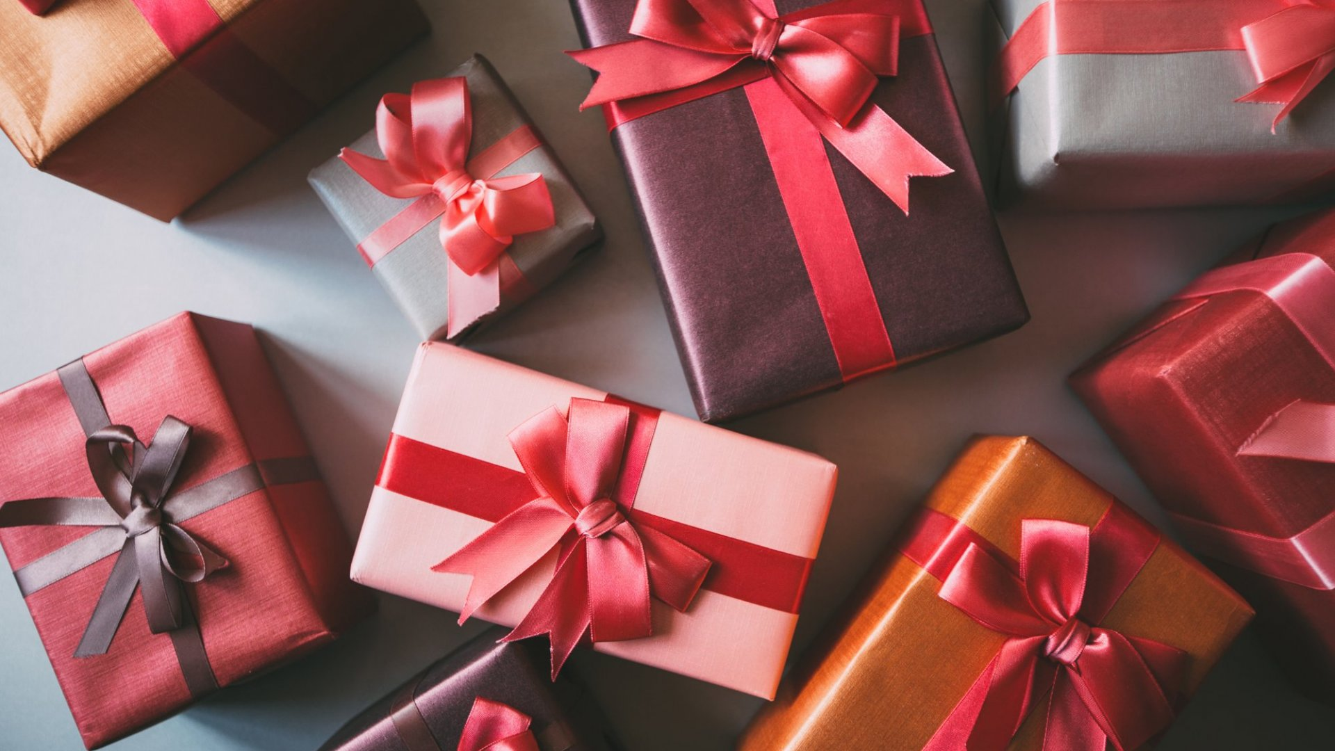 The Ultimate List: 75 Perfect Gifts for Every Businessperson on Your Holiday List