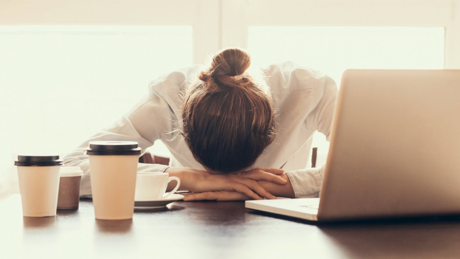 Having Trouble Sleeping? This 1 Overlooked Workplace Habit May Be the Cause