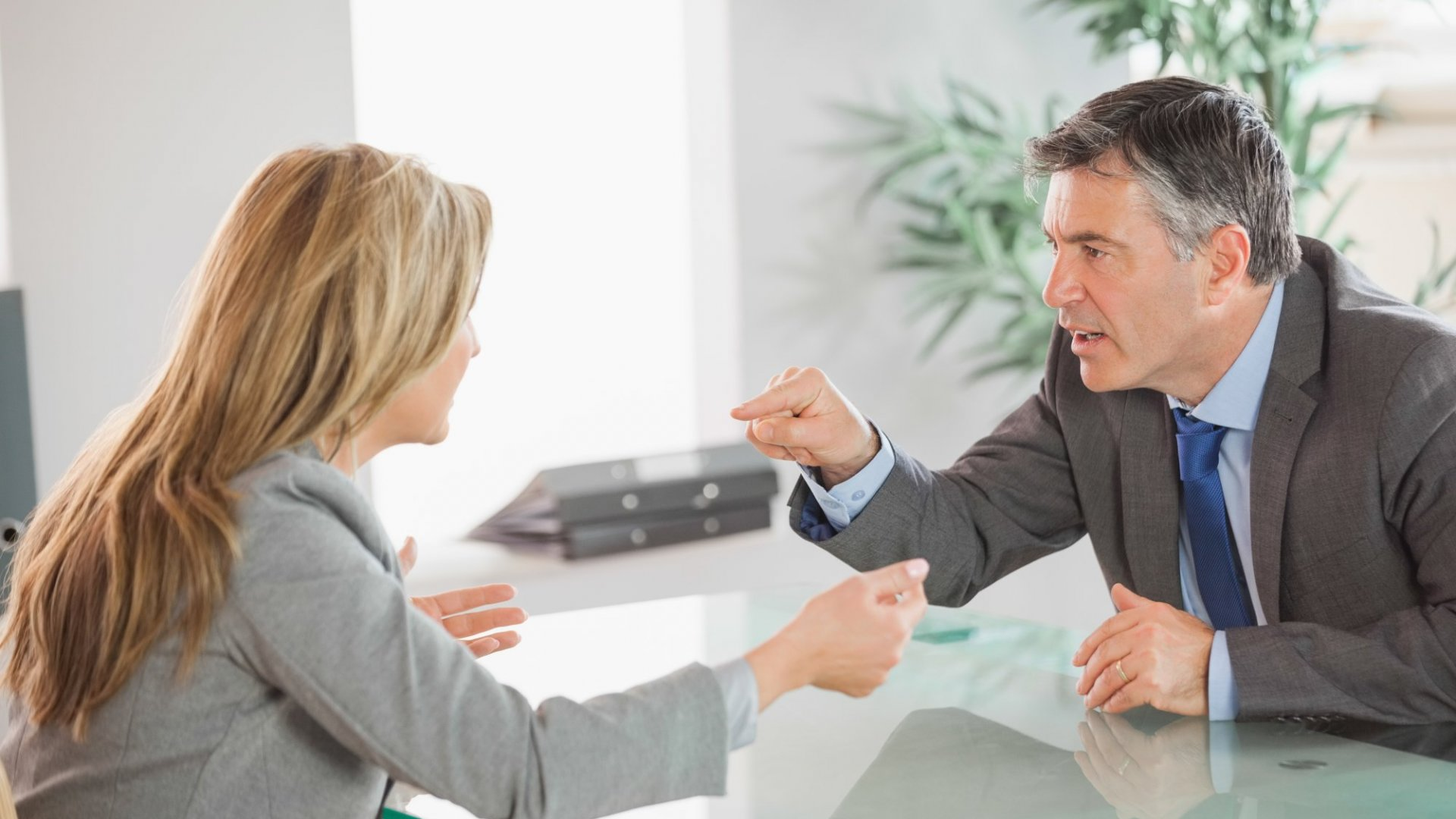How to Deal With a Hostile Job Interviewer