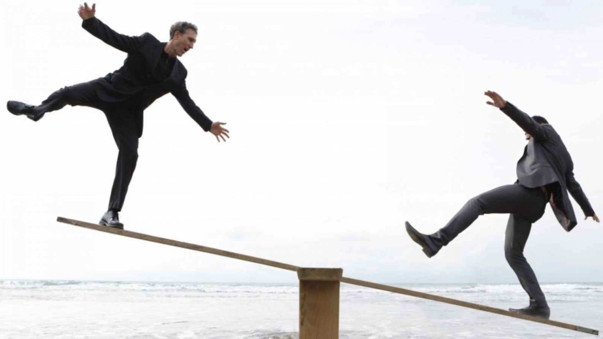 Why You Keep Falling Into the Extreme Decision-Making Trap